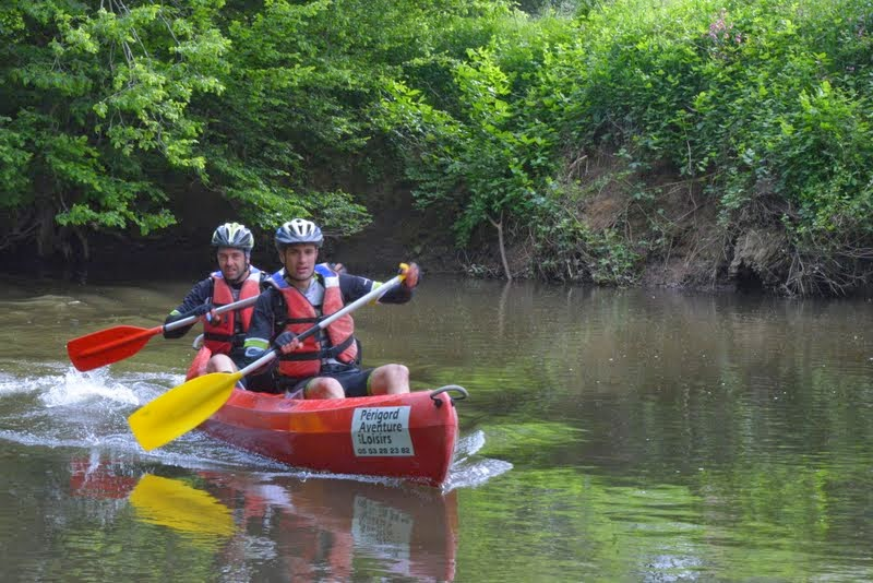 aiga2014-jeje-juju-canoe